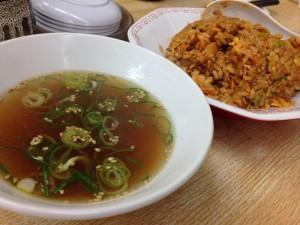 来来亭キムチチャーハン付属のスープ