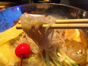 養老ミート赤べこ 韓国冷麺の麺