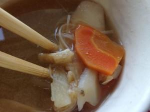 モスバーガー 朝御膳たまご黄身醤油ソース 豚汁の具