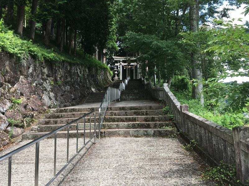 気多若宮神社の通路