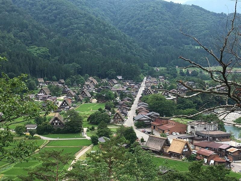 白川郷の高台前からの眺望